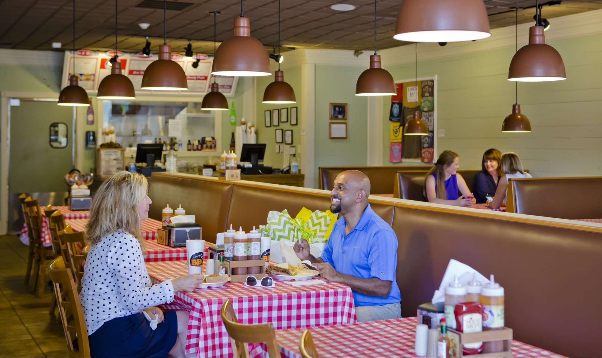Georgia Bob's dining in Milledgeville
